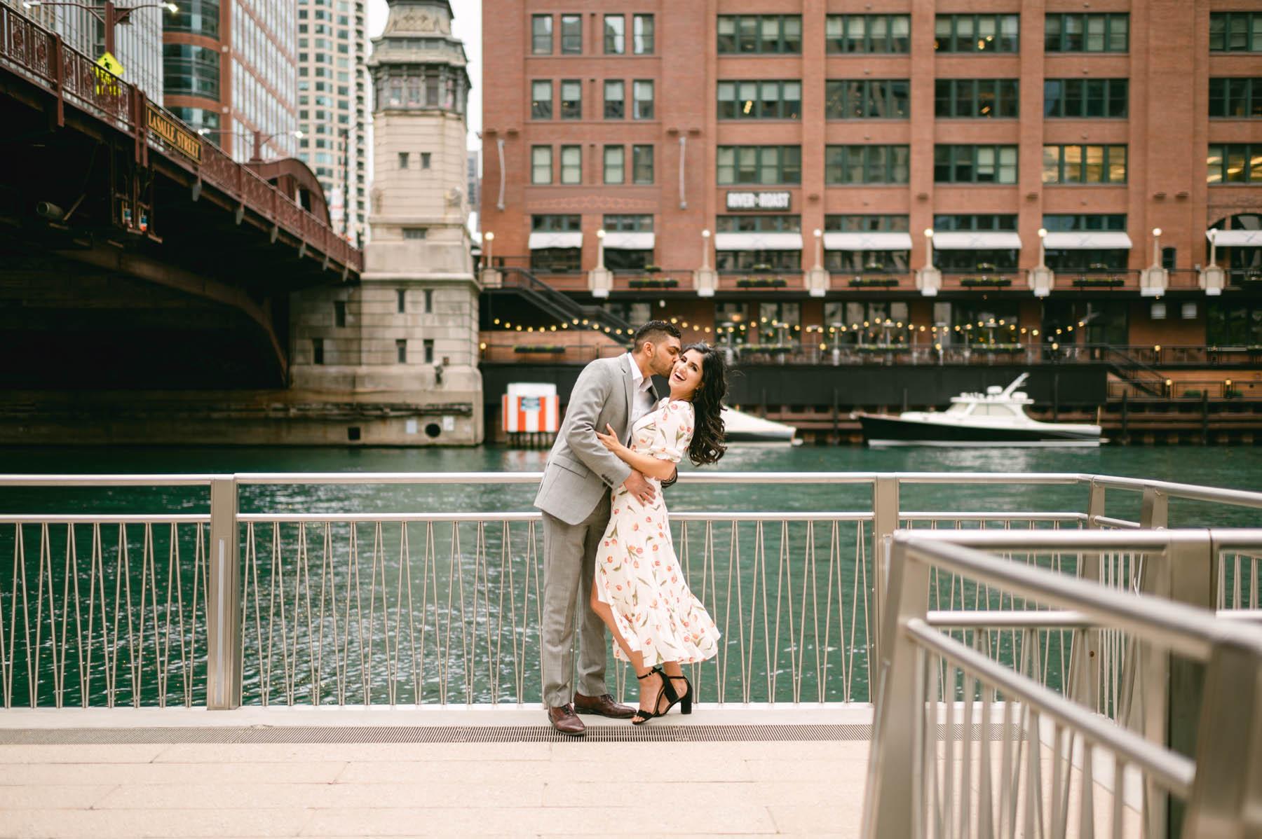 Engagement Chicago Riverwalk